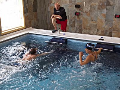 Pike物理治療的健身經理Rachael Bell表示,雙游泳機Endless Pools游泳池讓我們做更多的事情,「它擴大了我們的物理治療能力,讓患者恢復得更快」。